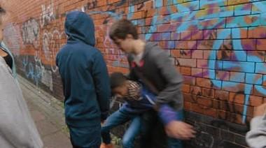 Çocuğunuzu Tehlikelerden Nasıl Koruyabilirsiniz?